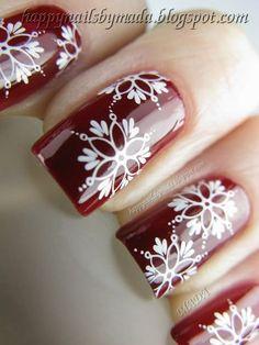 Happy Nails: Nail Art, Snowflakes- i love this snowflake! Creative Nail Designs, Winter Nail Designs, Christmas Nail Designs, Creative Nails, Nail Art Designs, Xmas Nails, Holiday Nails, Red Nails, Christmas Nails