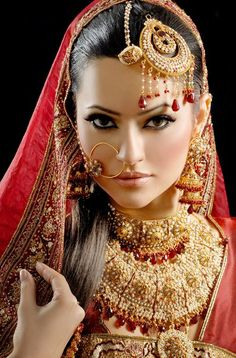 new Pakistani bridal makeup look 2015 Pakistani Bridal Makeup, Indian Bridal Wear, Asian Bridal, Bride Indian, Makeup Looks 2015, Bridal Makeup Looks, Wedding Makeup, Bride Makeup, Wedding Bride