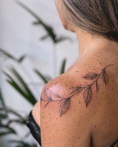 foot tattoos for women flowers Vine Foot Tattoos, Body Art Tattoos, Sleeve Tattoos, Simplistic Tattoos, Unique Tattoos, Small Tattoos, Butterfly Tattoo On Shoulder, Shoulder Tattoos For Women, Tattoos For Women Flowers