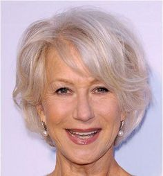 Women leave their hair gray in their fifties, which shows style and confidence. It's great to know about various classy gray hairstyles for women over Modern Hairstyles, Short Hairstyles For Women, Afro Hairstyles, Pretty Hairstyles, Gray Hairstyles, Beauty Salon Near Me, Hair And Beauty Salon, Tumeric Hair, Queen Hair