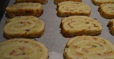 Foto: Sara B. Snack Hacks, Pesto, Baked Rolls, Bacon Potato, Vegetarian Recipes, Healthy Recipes, Great Recipes, Tapas, Food To Make