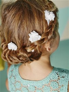 Les barrettes fleurs  - vertbaudet enfant Moda Chic, Barrettes, Tips Online, Communion, Beauty Hacks, Beauty Tips, Look, Girly, Make Up