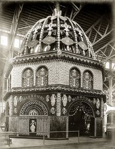 "missouri corn palace, st. louis world's fair 1904.  The photo is from the Missouri History Museum. Note: interest in the World's Fair runs high - Forest Park Community College has a continuing education class called ""Re-Living the 1904 World's Fair."""