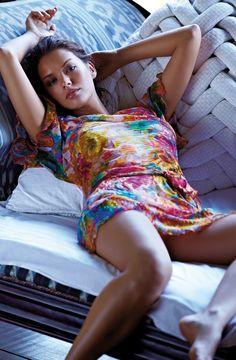 Michea-Crawford-in-Bikini-Photoshoot-2013--11_Starbeat.ru.jpg (1200×1835)