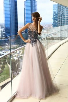 Beautiful dresses on sale Stunning Wedding Dresses, Beautiful Dresses, Nice Dresses, Quinceanera Dresses, Prom Dresses, Skirt Fashion, Fashion Dresses, Designer Gowns, Formal Gowns