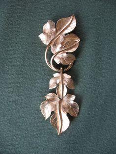 Kunio Matsumoto for TRIFARI Articulated Goldtone Grape Leaf Brooch Pin #Trifari
