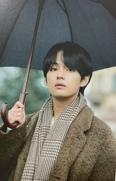 Image discovered by Golden Idol⁷˚✯ ੈ ༄. Find images and videos about bts, jungkook and v on We Heart It - the app to get lost in what you love. Daegu, Jin, Bts Boys, Bts Bangtan Boy, Taekook, K Pop, V Bts Cute, Hip Hop, Kim Taehyung
