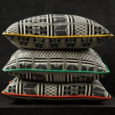 Norma Avila founder Rhonda Drakeford has created Cushions from traditional Ghanaian Kente....did we tell you how much AFG founder jacqueline shaw loves Kente? well she LOVES these! http://www.darkroomlondon.com/darkroom-ghanaian-black-and-white-fabric-cushion--green-piping