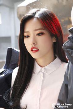 [이달의 소녀] 드디어! 12번째 멤버! 'Olivia Hye'의 뮤직비디오 비하인드♥ : 네이버 포스트
