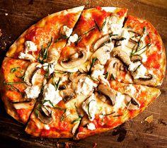 Ev yapımı dört peynirli pizzanızda, Tulum Peyniri, Keçi Peyniri, Parmesan ve Rokfor peynirine ek olarak Fransız Borde Kuru Mantarları kullanabilirsiniz.  Tüm peynir ve Fransız Borde Mantar çeşitlerini www.nefisgurme.com'dan sipariş verebilirsiniz. Afiyet olsun.  #nefis #nefisgurme #nefistarifler #leziz #lezzet #lezizsunumlar #gurme #gurmelezzetler #ayvaz #ayvazsef #ayvazakbacak #bimutfakikisef #ozlemmekik #ozlemmekiklezzetleri #ozlemmekikilegunumuzlezzetleri #istanbuldayasam…