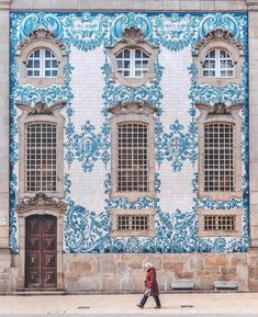 Planning a weekend trip to Porto, Portugal? Here's my guide to Porto, including the best restaurants, coffee shops, and port wine tastings in Porto. Sintra Portugal, Visit Portugal, Spain And Portugal, Day Trips From Lisbon, Portugal Travel Guide, Portugal Trip, Port Wine, Coffee Shops, Oh The Places You'll Go