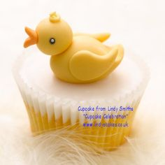 Baby duck cupcake by Lindy Smith