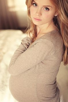 Maternity - I love how soft this photo is. Simply pretty...