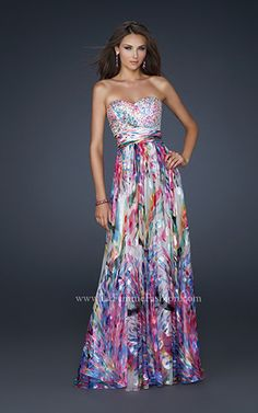 Shop for La Femme prom dresses at PromGirl. Elegant long designer gowns, sexy cocktail dresses, short semi-formal dresses, and party dresses. Grad Dresses, Homecoming Dresses, Evening Dresses, Ruffled Dresses, Short Semi Formal Dresses, Strapless Dress Formal, Prom Dress 2014, Dresses 2014, Festa Party