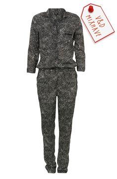 Love this jumpsuit! Je kunt hem op vele manieren stylen. High fashion, casual of romantisch: dit is jouw trouwe metgezel. Hoe ziet jouw look eruit? #VD #Mixpiratie #Mixhave