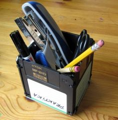 Upcycled Floppy Disk Box #diy #tutorial #recycle #upcycle #repurpose #reuse #geek #computer #craft