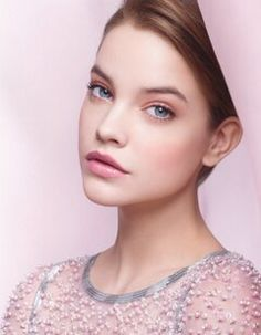 Barbara Palvin being gorgeous. What a face! You will also like: Barbara Palvin, one more time. Beauty Make-up, Chanel Beauty, Beauty Hacks, Hair Beauty, Chanel Makeup, Beauty Style, Beauty Tips, Beauty Products, Barbara Palvin
