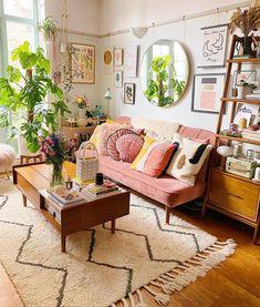 Boho Living Room, Home And Living, Living Room Decor, Retro Living Rooms, Colourful Living Room, Blue And Pink Living Room, Bohemian Living Spaces, Bohemian Room Decor, Bohemian Interior