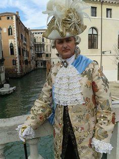 Catia Mancini Costume Designer  #catiamancini #costumista #dress Abiti teatrali e costumi per lo spettacolo www.catiamancini.it