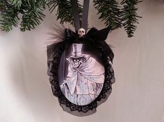 Haunted Mansion spooky scary HATBOX ghost by beyondthepoisonapple