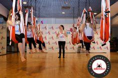 yoga aereo, PROFESIONALES DE LA #SALUD #FINESS #BELLEZA #BIENESTAR #COACHING!