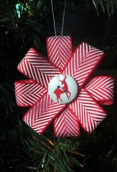 Christmas Ribbon Ornament Tutorial | Break out your favorite holiday ribbon for this pretty ornament project!