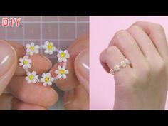 Making A Flower Ring Using Beads Diy Bracelets To Sell, Seed Bead Bracelets Tutorials, Macrame Jewelry Tutorial, Beaded Bracelets Tutorial, Handmade Bracelets, Beading Patterns Free, Seed Bead Patterns, Bead Jewellery, Beaded Jewelry
