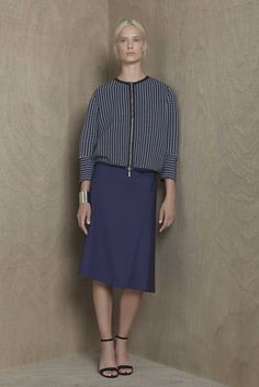 See the complete Piazza Sempione Resort 2016 collection.