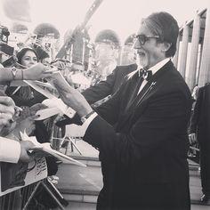 The fans go wild for Gatsby's good friend Meyer Wolfsheim (#AmitabhBachchan). #GatsbyPremiere