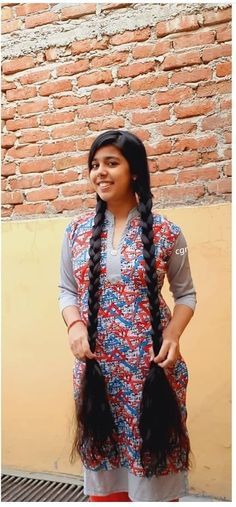 Loose Hairstyles, Indian Hairstyles, Braided Hairstyles, Long Indian Hair, Actress Priyanka, Male To Female Transformation, Natural Hair Styles, Long Hair Styles, Super Long Hair