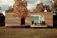An incredibly smart home. This is a modern prefab tiny home that can grow in design according to your needs. The basic home (called the 2 PLUS Classic) is a one-bedroom, 465 square foot model, available in a choice of 2 flo. Modern Prefab Homes, Prefabricated Houses, Modular Homes, Tiny House Blog, Tiny House Living, Compact House, Small House Design, Small House Plans, Little Houses