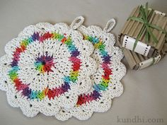 love these crocheted washcloths - what a great stash buster project.  From Julie-K's blog with a link to the Ravelry pattern