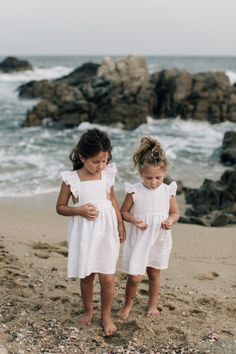 GIRLS'S WHITE LINEN DRESS with frill sleeves. Sustainably made in Europe Third World Countries, White Linen Dresses, Frill Dress, Facon, Piece Of Clothing, No Frills, Dress Collection, Cotton Fabric, Kids Outfits