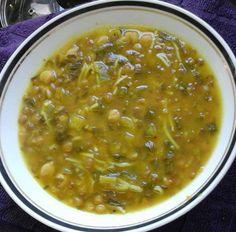 מתכון בטוח למרק חרירה מרוקאי שמחמם את הגוף - מרק חרירה מעולה עם חומוס עדשים, אטריות וכל טוב. ממש מרק מוצלח במיוחד לחורף! בתאבון..