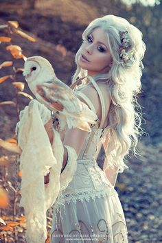 Model,makeup,hair,clothing design,retouch: Model Ophelia Overdose Photographer: Rebecca Magdalena Photography Clothing design: Miss Overdose Owl: Falknerei Pierre Schmidt Fantasy Photography, Clothing Photography, Animal Photography, Happy Photography, Foto Fantasy, Fantasy Art, Kleidung Design, Steam Girl, Photo Grid