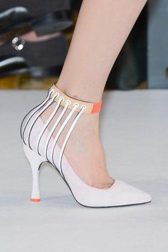 spring_summer_2013_shoe_trends_architectural_shoes_Missoni_Spring_2013.jpg (399×600)