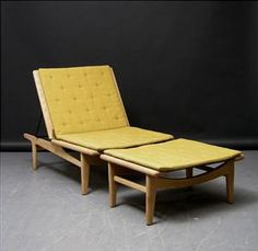 Hans Wegner; Oak Daybed for Getama, 1950s.