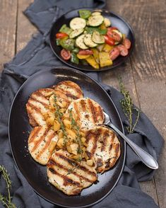 Grillkäse mit Apfelchutney Grill Pan, Grilling, Bbq, Ayurveda, Kitchen, Recipies, Advent Calenders, Amazing, Griddle Pan