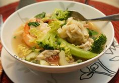 Wor Won Ton soup is often a choice for us when eating out. It is a simple broth filled with meat and vegetables in which each ingredien. War Wonton Soup Recipe, Wor Wonton Soup, Wonton Recipes, Chicken Soup Recipes, Healthy Soup Recipes, Cooking Recipes, Korma, Biryani, Wan Tan