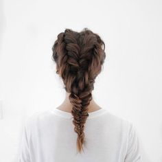 We are seeing hearts with /tobruckave/ new take on the fishtail braid