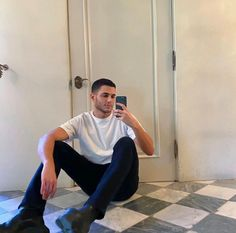 Selfies, Selfie Poses, Boy Poses, Male Poses, Mens Photoshoot Poses, Khadra, Classy Couple, Photography Poses For Men, Fashion Couple