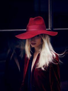 Vogue Deutsch: Red blazer