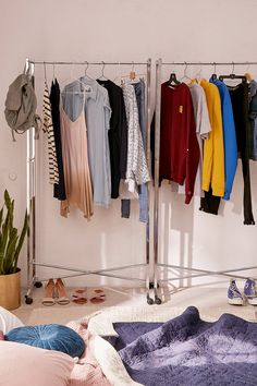 41 Clothes Rack Design Ideas That you Can Copy Right Now in your Home # Design Kids Clothes Storage, Hanging Clothes, Garment Racks, Rack Design, A Boutique, Boutique Ideas, Boutique Decor, Boutique Clothing, Fashion Boutique