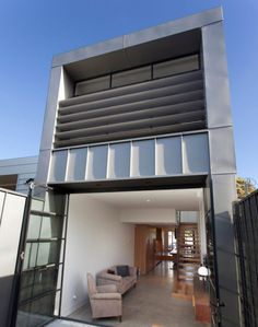 Charming Small, Cheap And Tiny: How Did They Make This South Melbourne House Seem  Bigger