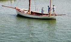 Traditional Danish eelfishing boat - an eel drifter or a well smack for driftnet fishing | Flickr - Photo Sharing! #zeesenboote
