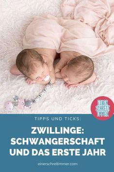 """Du erwartest Zwillinge? Oder bist frisch gebackene Zwillingsmama? Wir haben hier 19 Tipps, die deinen Alltag mit Zwillingen einfacher machen. Gesammelt von der Community von """"Einer schreit immer"""". Du findest hier Fakten, Fotos und Ideen für das Babyzimmer mit Zwillingen.    #einerschreitimmer #zwillinge #zwillingsmama #zwillingsschwangerschaft #mamablog #zwillingsblog 2 Kind, Photos, Childhood Education, Breastfeeding, Twins, Parents"""
