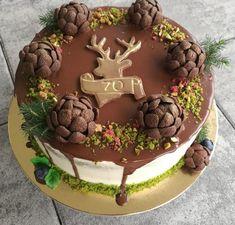 Dortik pro myslivce... dvě patra mechový korpus a prostřední čokoládový. Smetanovy krém s jahodami. 🐗🐻🐗🐻...Šišky jsou z Chocapicu Cake, Desserts, Food, Tailgate Desserts, Deserts, Kuchen, Essen, Postres, Meals