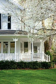 This reminds me of the house next door where I grew up on Long Island. The neighbors house was circa Civil War Victorian wrap porch. I adore porches. And VIctorian homes White Houses, Victorian Homes, Victorian Porch, Victorian Farmhouse, Old Houses, My Dream Home, Curb Appeal, Exterior Design, Exterior Paint