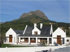 cape dutch plans at DuckDuckGo South African Homes, African House, Style At Home, House Color Palettes, Cape Dutch, Dutch House, Dutch Colonial, Unusual Homes, Classic Architecture