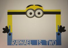 photo frame party prop minion to take by titaspartycreations